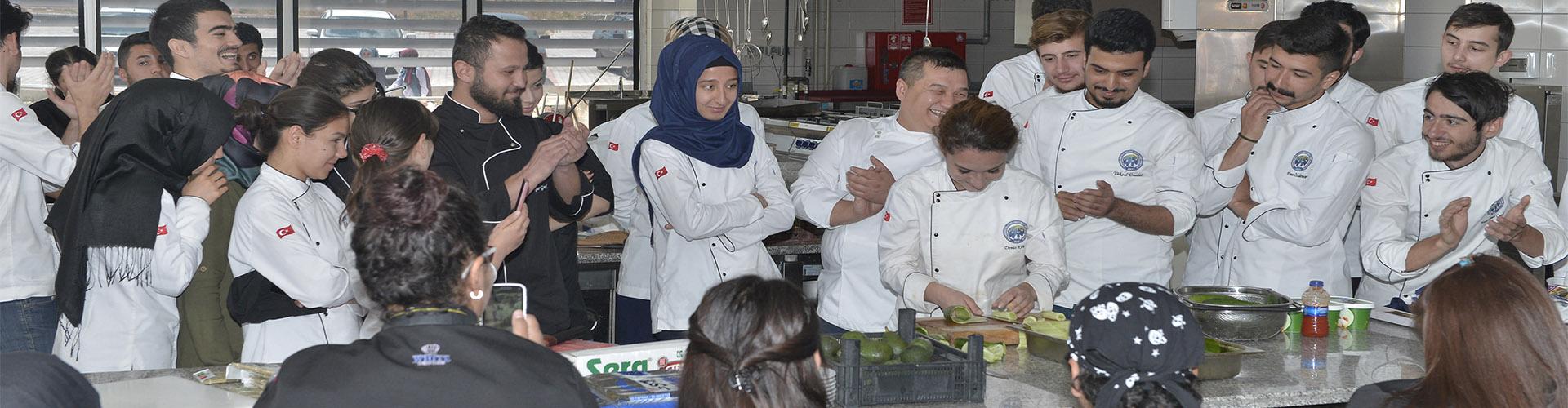 Dünden Bugüne Aşçılık Söyleşisi ve Sushi Workshop Eğitimi