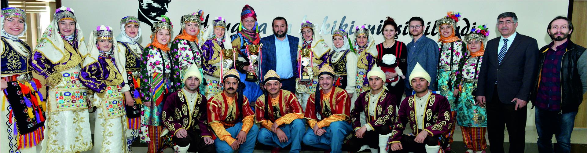 KMÜ Halk Oyunları Topluluğundan Üç Kupa