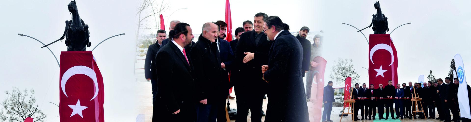 Karamanoğlu Mehmet Bey Anıtının Açılışı Yapıldı